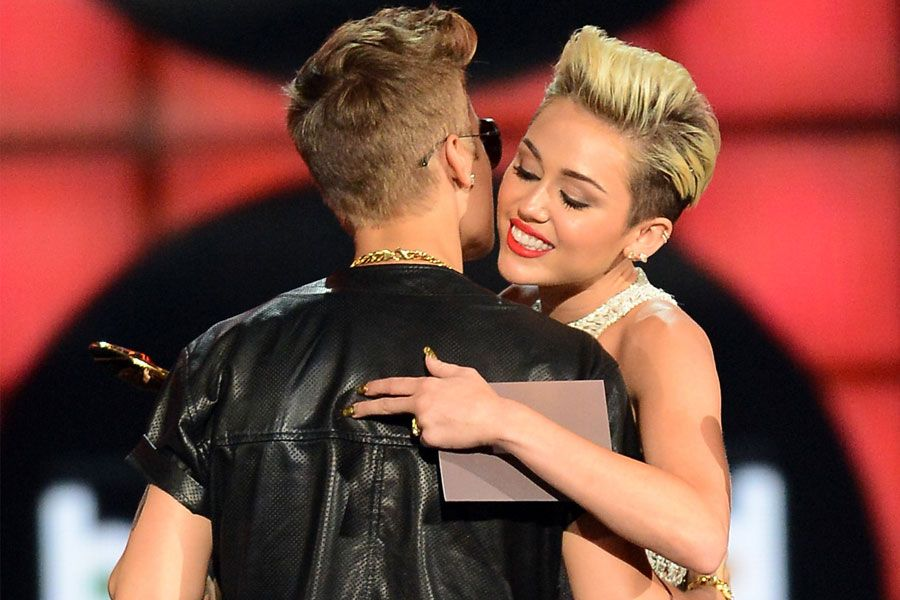 Justin-Bieber-Miley-Cyrus-900-600