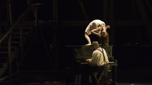 Cirque Éloize – Saloon
