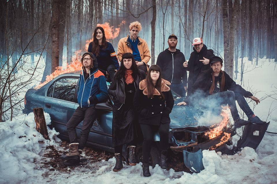 Le spectacle du groupe Canailles a su mettre une ambiance de fête sur la scène Repentigny Chevrolet.